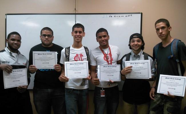 Estudiantes de Mech-Tech completan adiestramientos especializados