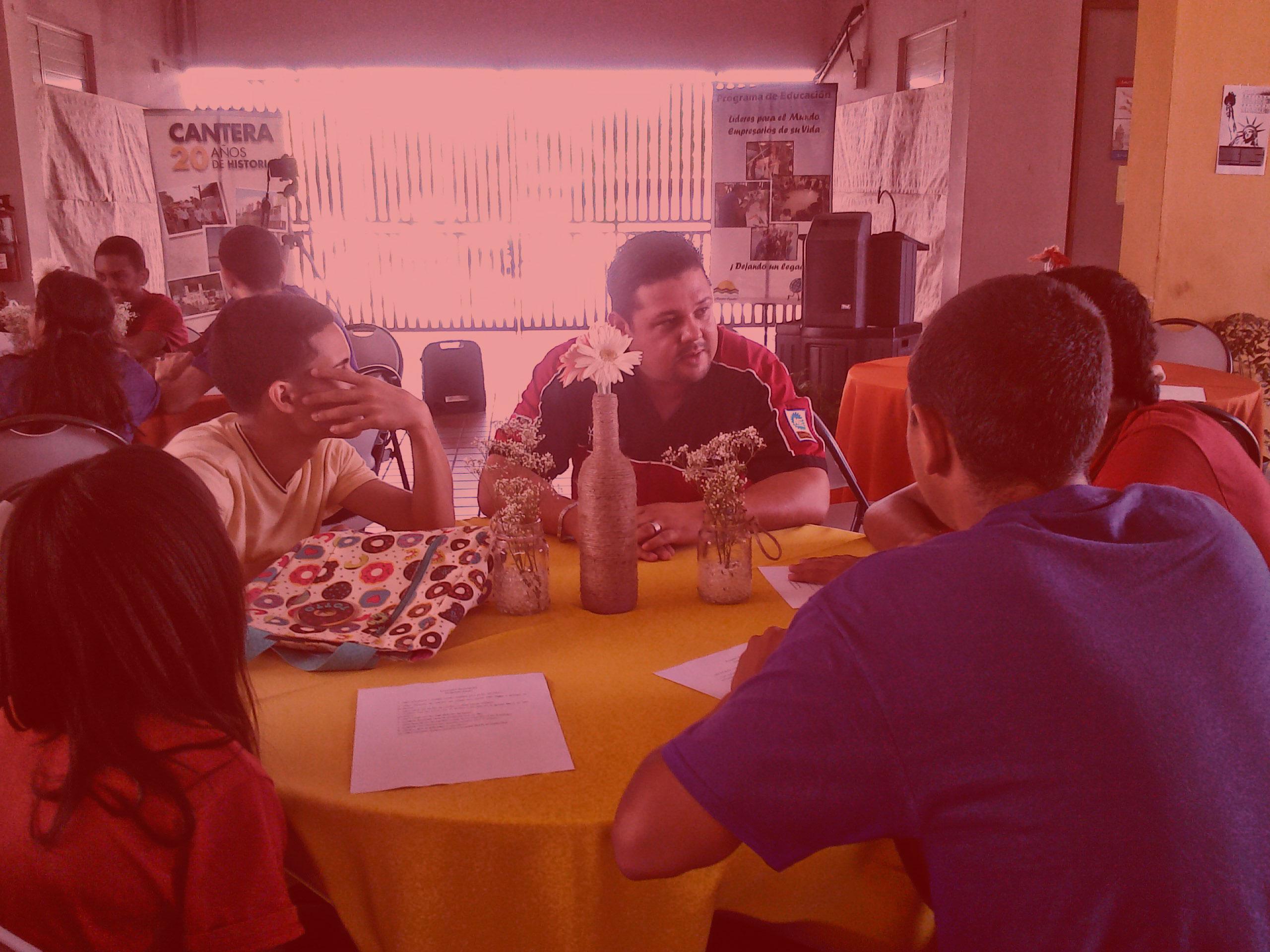 Mech-Tech College participa en el encuentro Profesional con jóvenes de Cantera